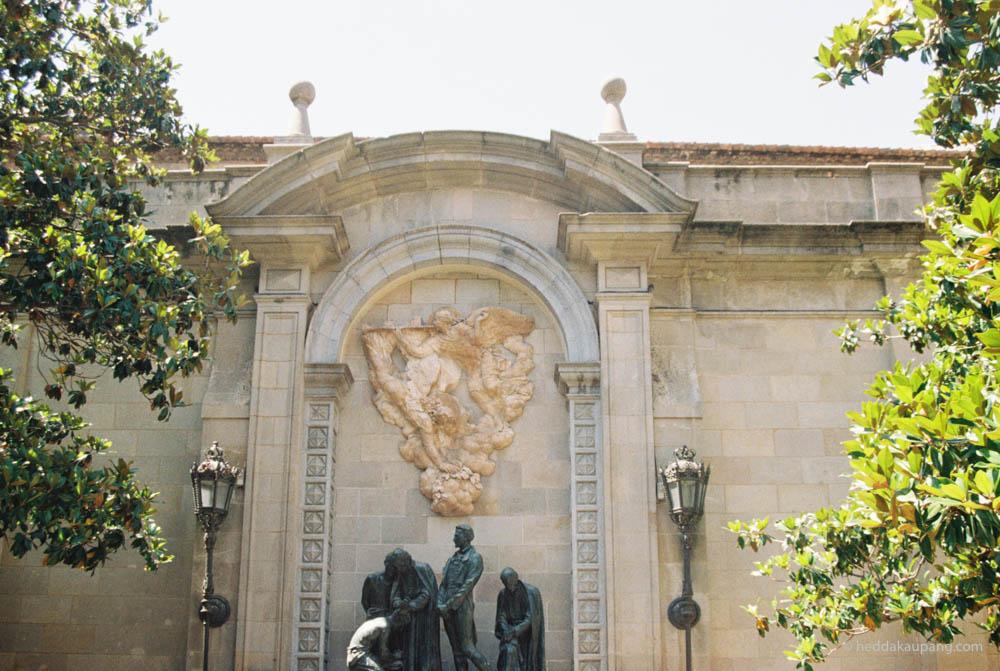 Vakker arkitektur og historiske bygninger i Barcelona